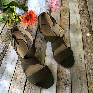 Naturalizer sandals NWOT